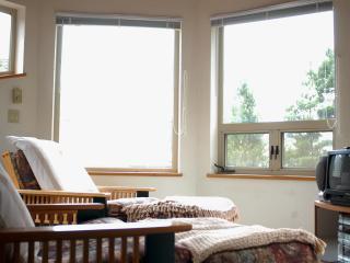Hummingbird Hill a quiet sanctuary MCA#1117