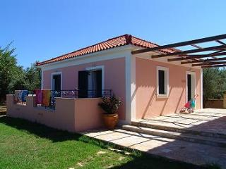 Lennas Holidays House 2-Bedroom Ground Floor House, Vasilikos