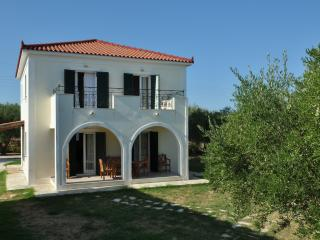 Lennas Holidays Home 3-Bedroom Split Level House, Vasilikos
