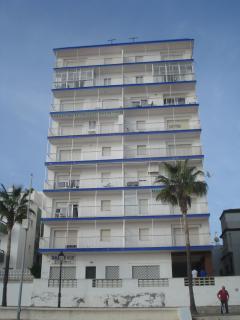vista del edificio, piso 7, izquierda terraza acristalada.