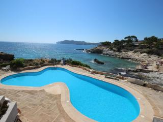 Fabulous 2 bedroom seas edge apartment, Santa Ponsa