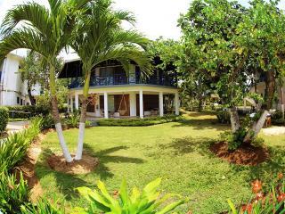 Amazing beach location, 1 bedroom suite (NTH)