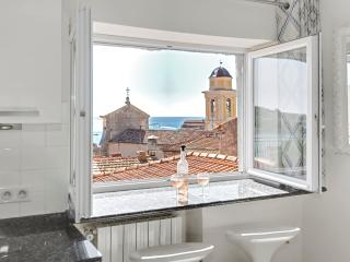 Petit Paradis--Luxury one bedroom with sea view, Villefranche-sur-Mer
