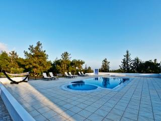 KB419 6 Bedroomed Luxury Villa in Kyreine, Kyrenia