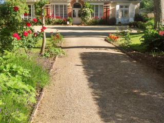 Garden villa with beach access, Grandcamp-Maisy