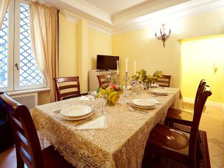 Pantheon holiday rental - 5 bedrooms for families