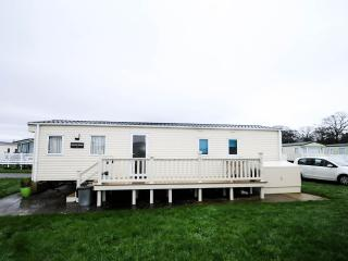 Modern Clean Caravan at Hoburne Park, Christchurch