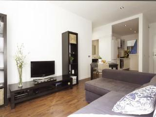 Stay 190m from Sagrada Familia in this 2BR/1BA
