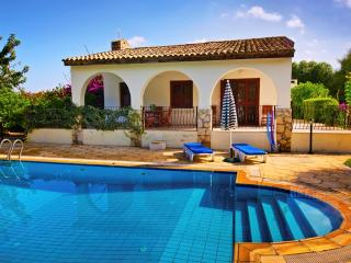 KB420 3 Bedroom Luxury Dublex Villa with Private P, Kyrenia