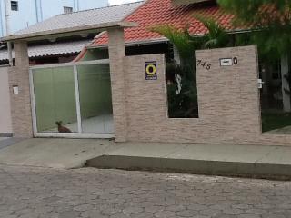 Bela casa em Porto Belo,um paraiso na praia