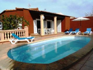VILLA MARILDA house with pool 300m from the beach, Porto Cristo