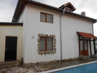 Private 4 Bedroom Villa with Pool, Sunny Beach