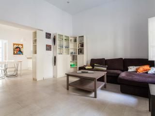 2Rooms Apartment Monumental Area Parking Available, Seville
