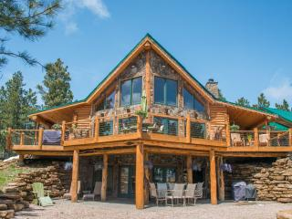 Beautiful new cabin with rustic charm of t, Nemo