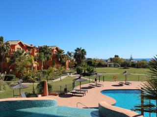 1829 - 2 bed apartment, Sotoserena, Estepona