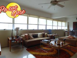 Desde este ventanal podrás disfrutar de una vista hermosa del Lago de Maracaibo.