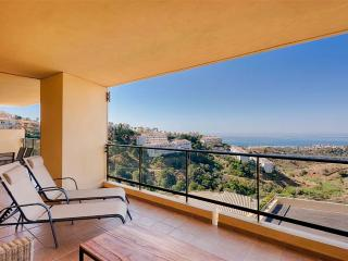 1840 - 2 bed apartment, Campos del Mar, Calahonda