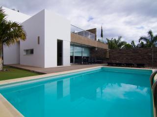 Villa in El duque 5 bedrooms, Costa Adeje