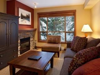Stunning 1 Bedroom Boutique Mountain Condo, Whistler