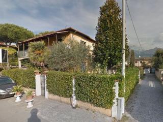 Casa Sonia, with garden, Cinquale