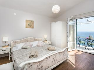 Villa Mirjana - Two Bedroom Apartment (Sun), Dubrovnik