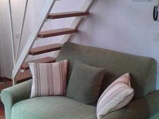 Lovely Apartment, Steps from Duomo, Florence