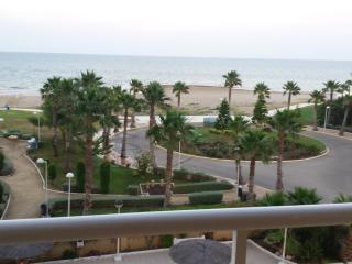 1ª línea. Frontal al mar. 2 grandes terrazas.