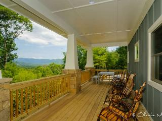 Private, Mountain Views, 10-min to Downtown!, Asheville