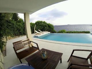 Villa Mirjana - Comfort Studio Apartment with Terrace and Sea View (Cikas)