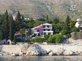 Villa Mirjana - One Bedroom Apartment with Terrace and Side Sea View (Taverna)