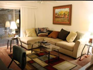 Central Convenient 2BD, 2BA home incl Office/deck