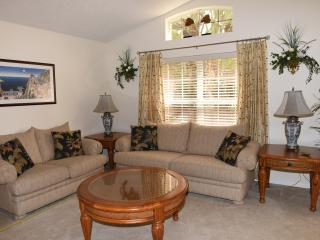 Emerald Island 3 mile to Disney,4 Bd/3 Ba, 60' TV, Kissimmee