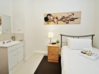 Single Room Guest House Carlton ER5, Melbourne