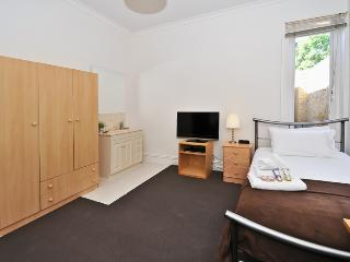 Single Room Guest House Carlton ER9, Melbourne
