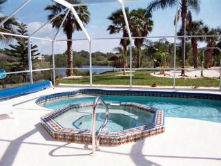 Tropical Paradise Luxery Home-Heated Pool-Spa-Wifi, Englewood