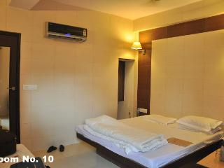 Hotel Golden Deluxe ( HGD ), Jaipur