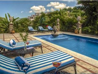 4-6 BR HACIENDA, STEPS TO BEACH, HEATED POOL, Puerto Vallarta