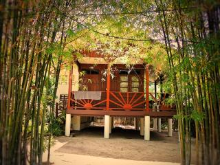 Lovely & Cozy hideaway beach house - private area, Mae Nam