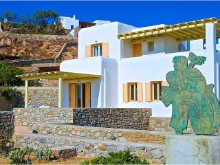 Art Villa with private pool and sunset view, Agios Ioannis