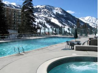 Cliff Club Ski in/out with spa access - Jan 2-6 ONLY Super Deal $225 per night, Snowbird