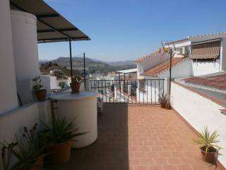 Large Townhouse In The Centre Of Alora