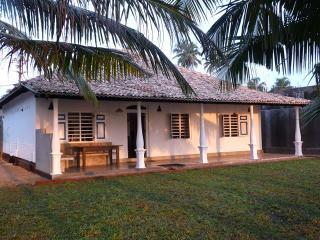 Lankamiya -villa au bord de l'océan,wifi ,Air Con, Ambalangoda