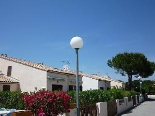 Les Cyclades, Saint-Cyprien