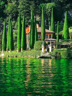 close to Villa Balbianello (from Pinterest)