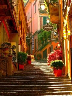 The streets of Bellagio (courtesy Pinterest)