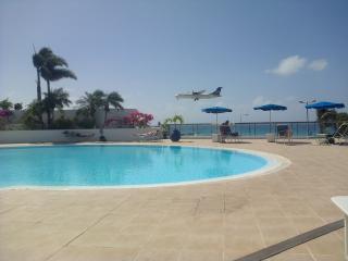 Spacious 1 BR Condo, Ocean Views, Maho, St Maarten