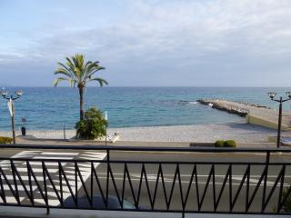 PERFECT LOCATION, STUDIO WITH PANORAMIC SEA VIEW, Roquebrune-Cap-Martin