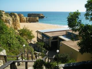 Short Walk to Beach, Private Pool, Wifi, Air Cond, Albufeira marina 2mts by car