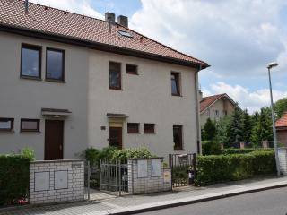 Quiet family house 17 minutes to Prague center, Praga