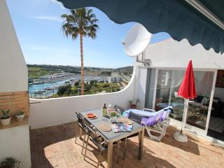 Lovely bungalow with great sea and marina views with free Wi-Fi